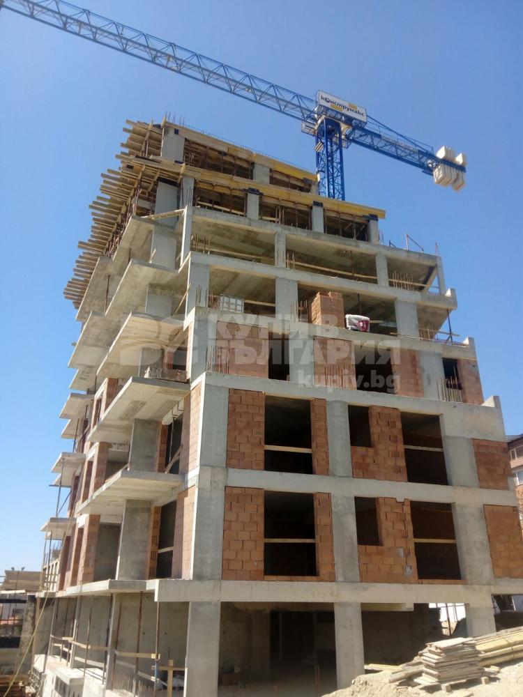Тяло Б на жилищна сграда Невен с Акт 14